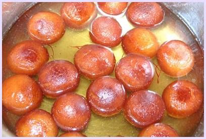 गुलाब जामुन बनाने की विधि (Gulab Jamun Recipe in Hindi)