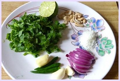 corn gravy ingredients in a plate