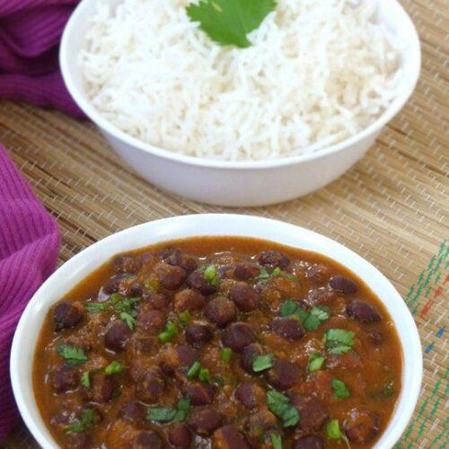 Kala Chana Curry Recipe (Black Chickpeas Curry Recipe)