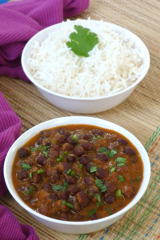 Kala Chana Curry Recipe (Black Chickpeas Curry Recipe)