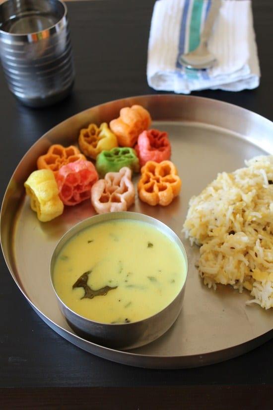 khichdi kadhi served in a plate