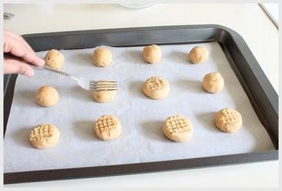 Eggless Peanut Butter Cookies Recipe