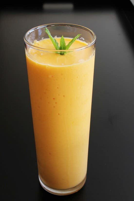 Mango yogurt smoothie recipe