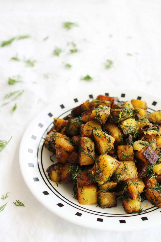 Aloo suva sabzi recipe (How to make aloo suva), Potatoes with dill leaves