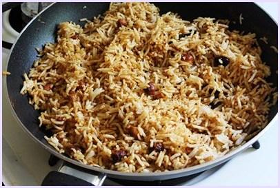 Tamarind rice recipe - Imli rice - South Indian Pulliodarai