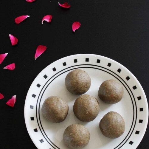 Kuler ladoo recipe (How to make kuler ladoo), bajra flour ladoo