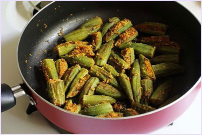 cooked okra with stuffing