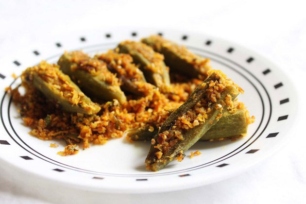 how to make stuffed okra (bharwa bhindi)