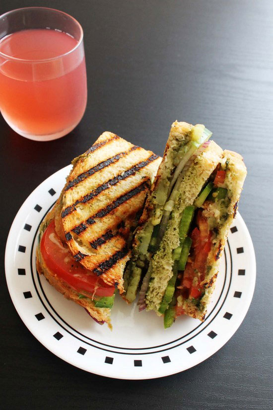 Bombay Vegetable Grilled Sandwich Recipe (Veg grilled sandwich recipe)