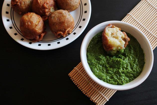 Faraali Batetavada - Vrat ke batatavada - Navratri Fasting recipe
