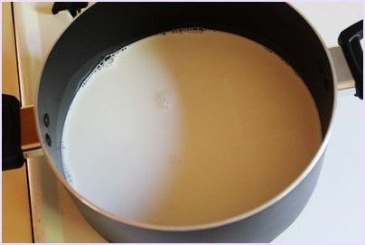 milk in a heavy bottom pan