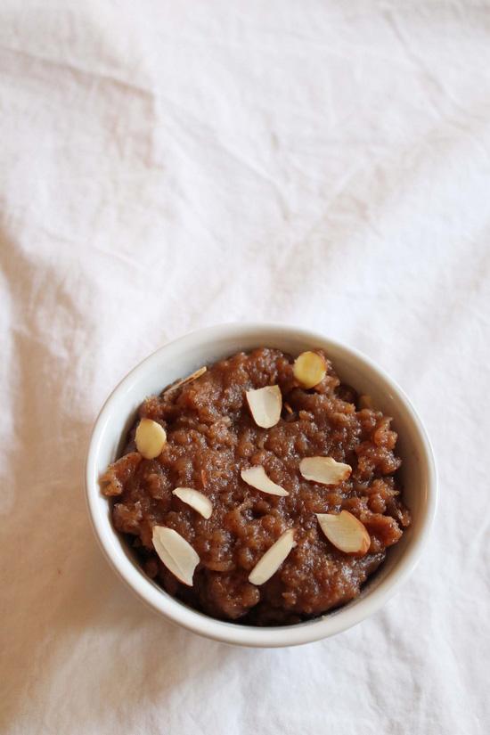 Singhare ke atte ka halwa - fasting sheera recipe - vrat ka khana