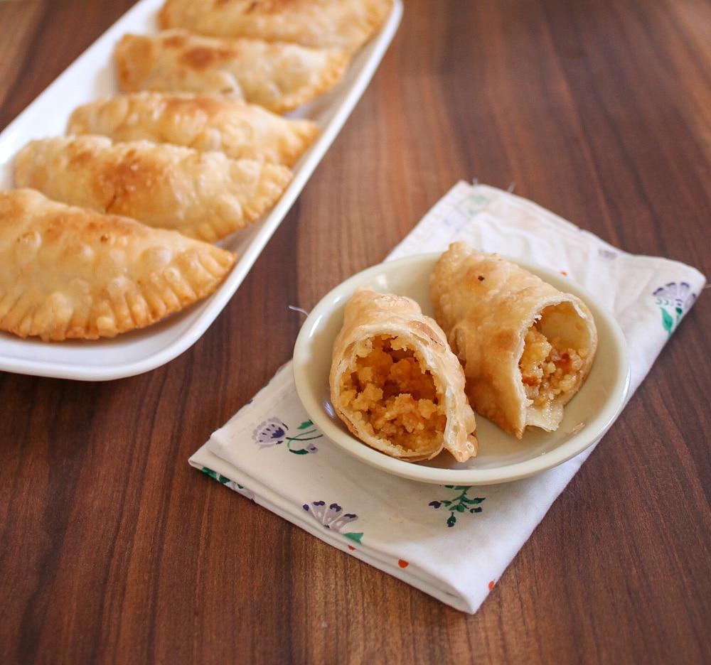 Gujiya Recipe (Mawa Gujiya)