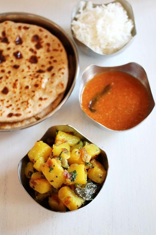 Batatyachi bhaji recipe (Maharashtrian potato bhaji)