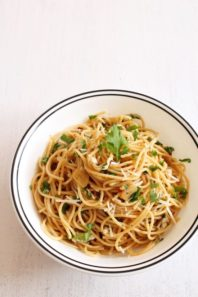 Spaghetti aglio e olio recipe   Spaghetti with Garlic and Oil