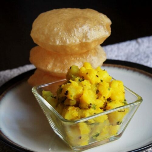 Poori Bhaji Recipe | How to make Poori bhaji / Puri bhaji