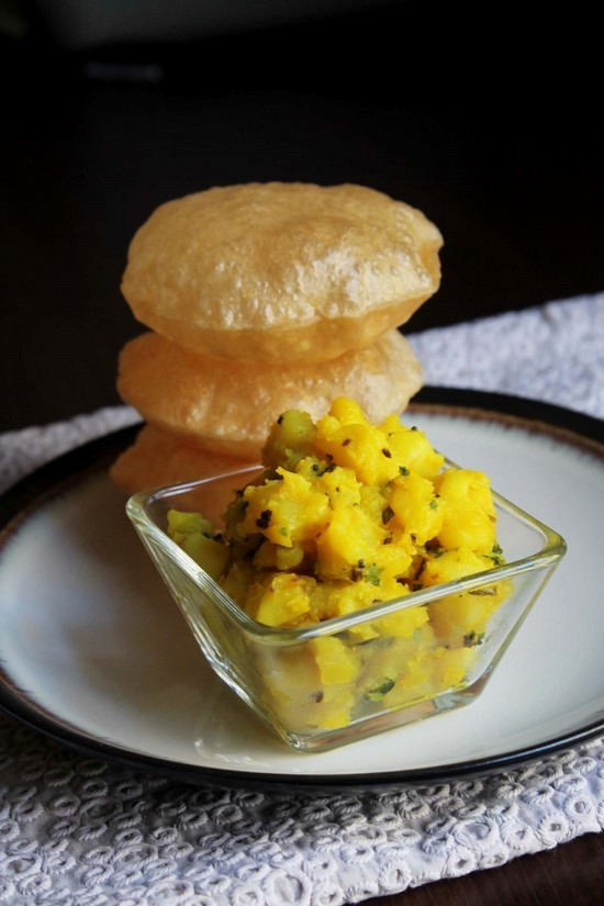 Poori Bhaji Recipe | How to make Poori bhaji / Puri bhaji