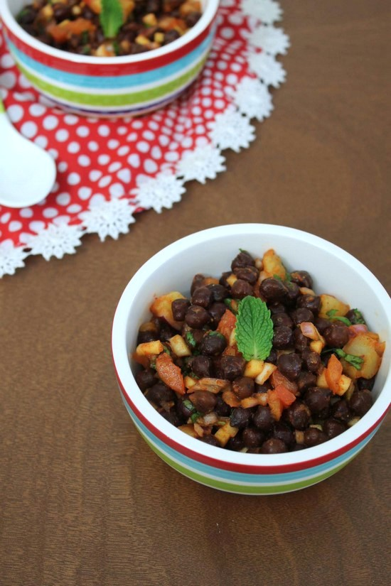 Kala Chana Chaat Recipe | How to make Black chickpeas chaat