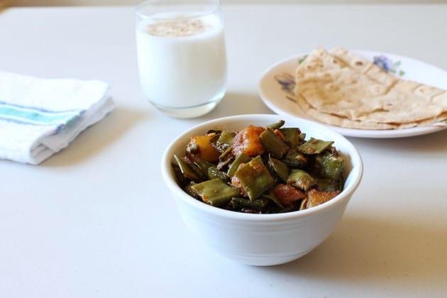 Sem Aloo ki sabzi | Surti Papdi Recipe | Valor bateta nu Shaak