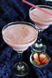 Strawberry Milkshake recipe | How to make strawberry milkshake