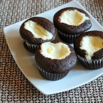 Eggless black bottom cupcakes recipe | Easy black bottom cupcakes