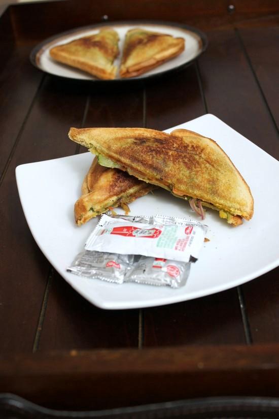 Veg Masala Toast Sandwich Recipe | Mumbai masala toast sandwich