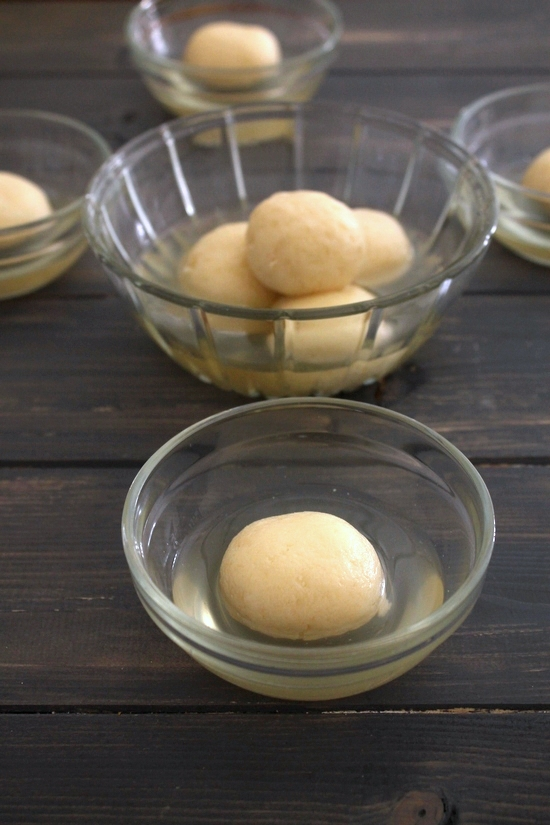 Rasgulla recipe | How to make rasgulla | Soft, spongy rasgulla