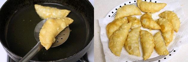 fried, khuskhushit karanji in a plate