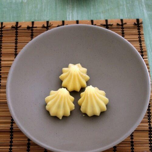 Mawa modak recipe | Khoya modak recipe | Stuffed mawa modak