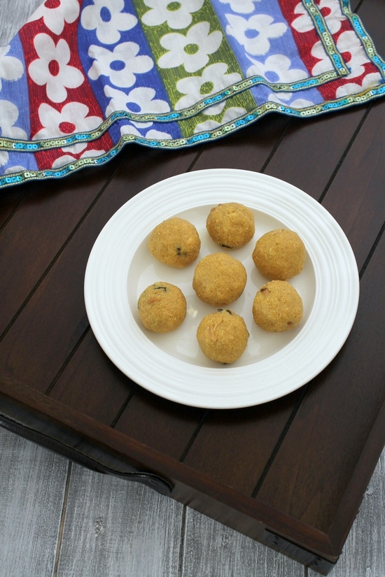 Rava besan ladoo recipe how to make rava besan laddu forumfinder Image collections