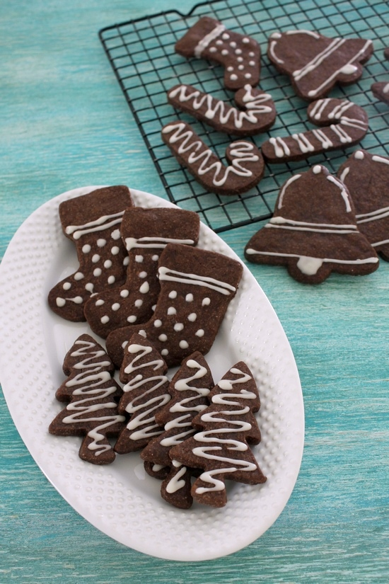 Eggless chocolate sugar cookies recipe | Chocolate cutout sugar cookies