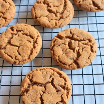Eggless gingersnap cookies recipe | Soft and chewy Gingersnaps recipe