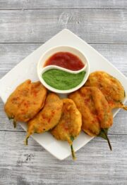 Palak pakoda recipe | Crispy Palak leaves pakoda recipe