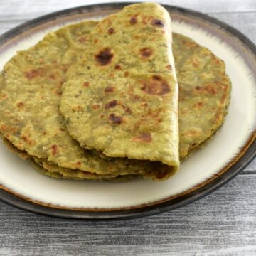 Aloo palak paratha recipe | How to make aloo palak paratha