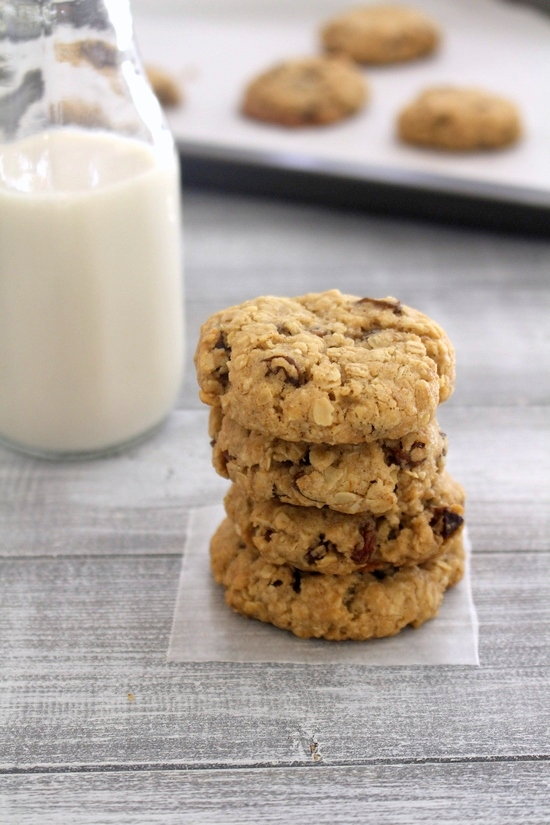 Eggless oatmeal raisin cookies recipe | Best oatmeal raisin cookies