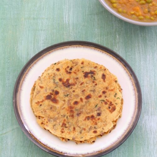 Onion paratha recipe | Pyaz ka paratha, how to make onion paratha