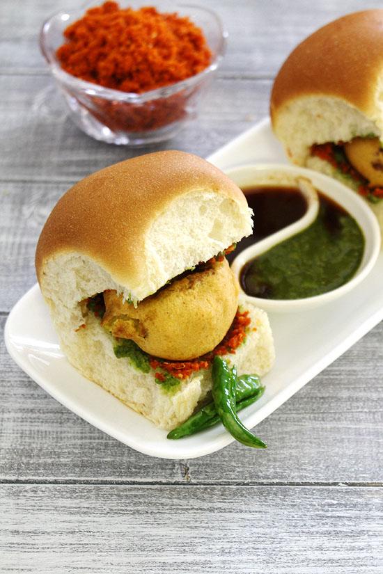 (How to make vada pav), Mumbai vada pav