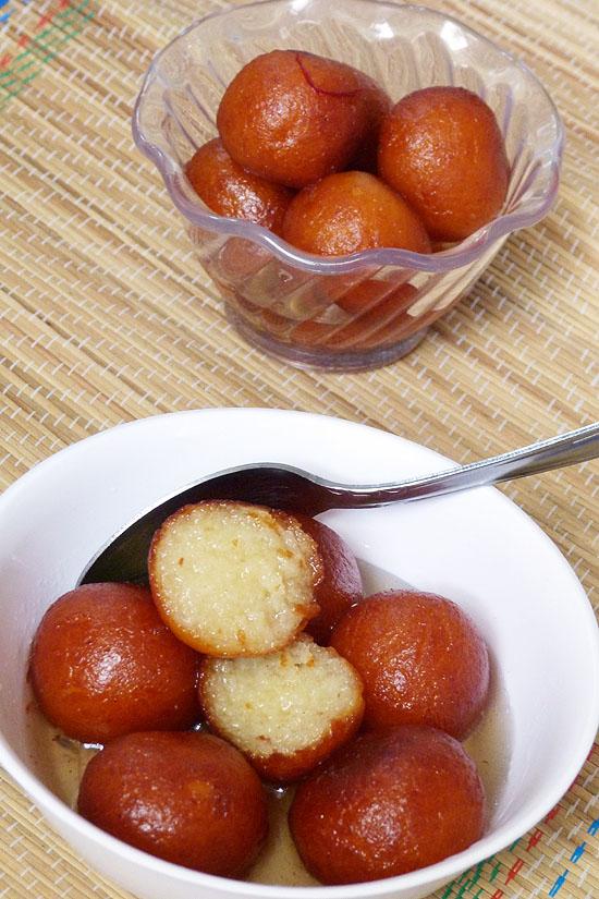 Gulab jamun recipe (How to make gulab jamun with khoya)