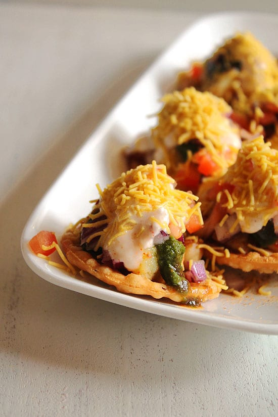 Dahi Papdi Chaat Recipe (How to Make Dahi Papdi Chaat Recipe)