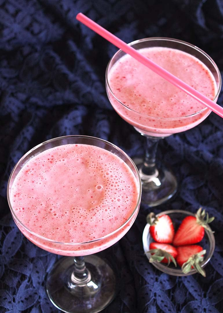 Strawberry Milkshake Recipe (using Fresh Strawberries & Ice Cream)