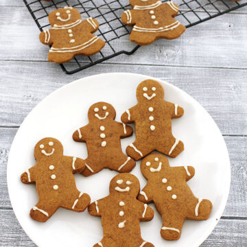 Eggless gingerbread men cookies recipe