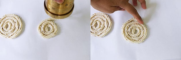 shaping rice murukku into spiral