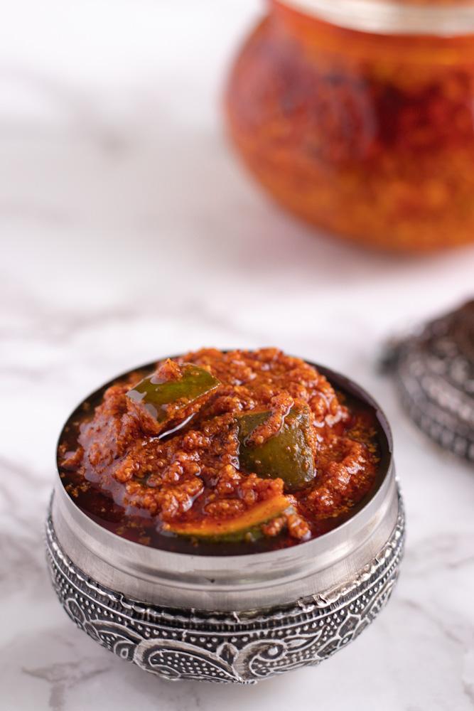 Avakaya Pachadi Recipe (Andhra Mango Pickle)