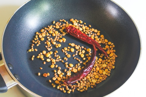 roasted dal and spices mixture to make spice powder