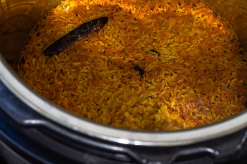 masala khichdi cooked in instant pot