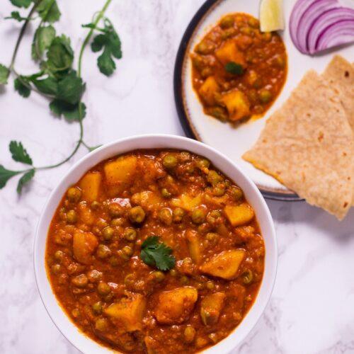 Punjabi aloo matar gravy recipe